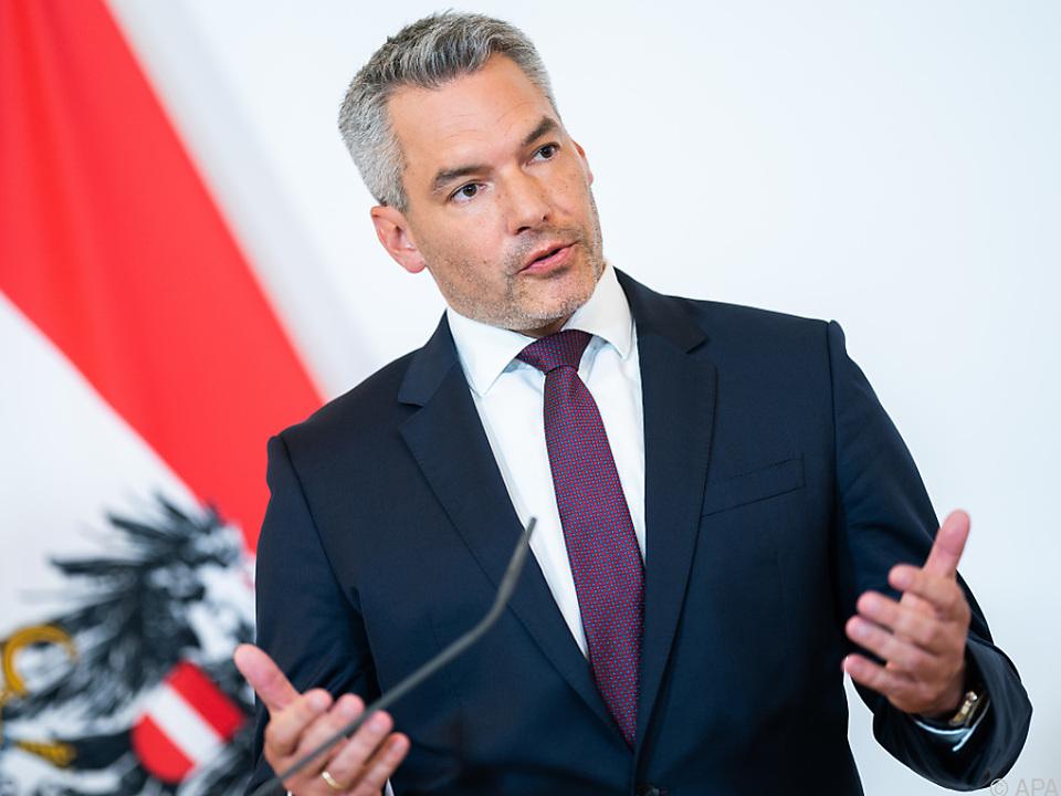 Laut Nehammer 253 strafbare Handlungen von Jänner bis Juni