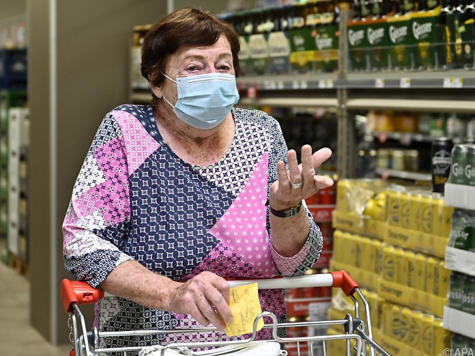 Maskenpflicht u.a. in Lebensmittelgeschäften corona einkauf