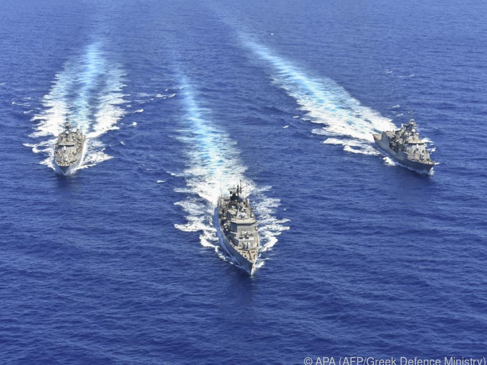 Militärische Muskelspiele vor Zypern