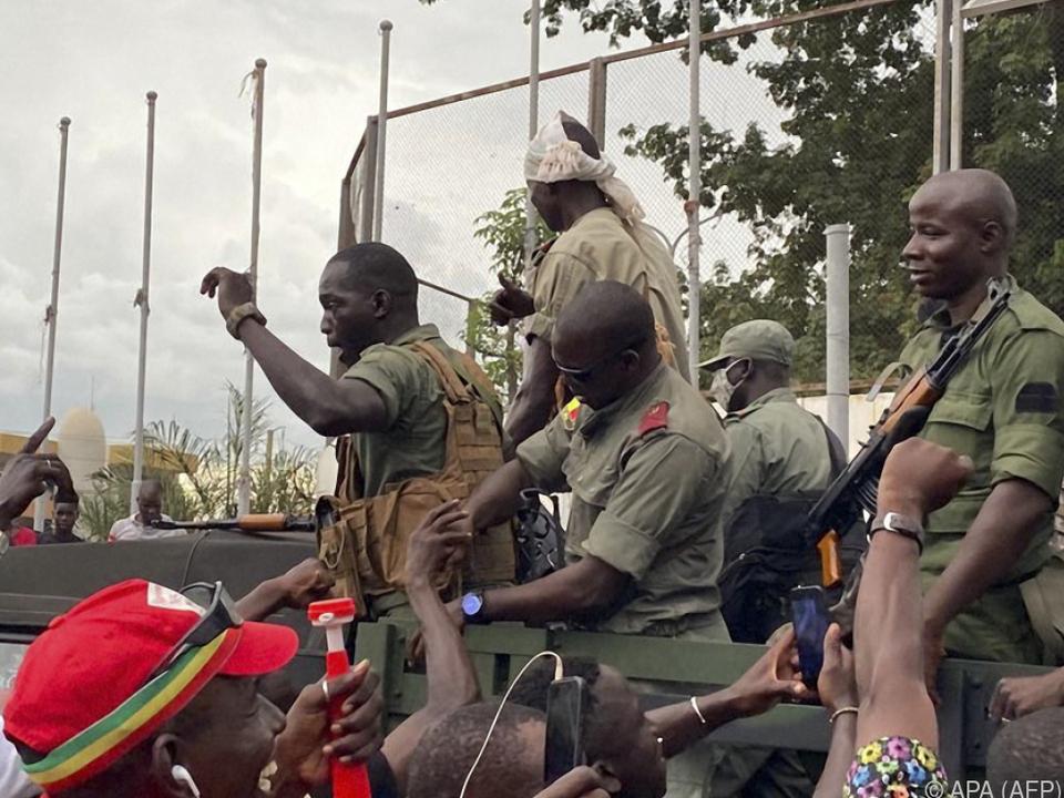 Präsident festgenommen: Meuterei in Mali: Streitkräfte begehren auf - Politik