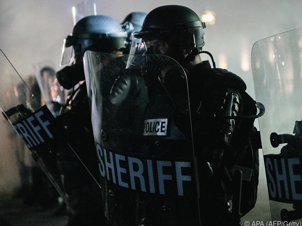 Nationalgardisten sollen Polizeikräfte unterstützen