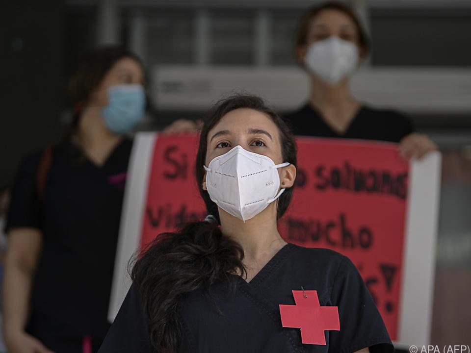 Rotes-Kreuz-Mitarbeiterin in Panama