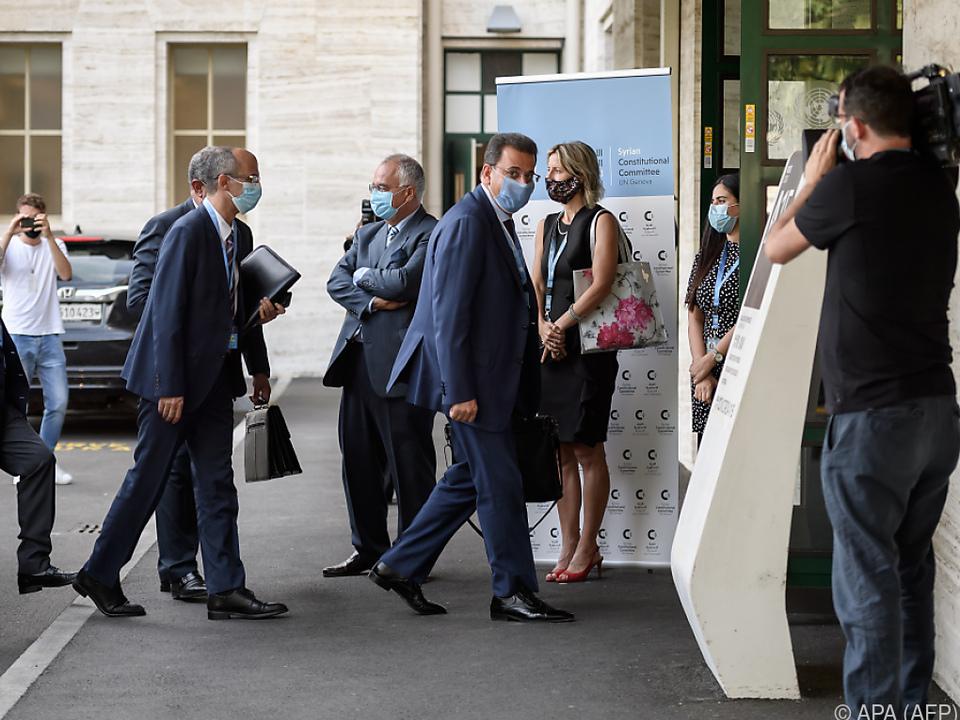 Syrische Delegationen treffen in Genf ein