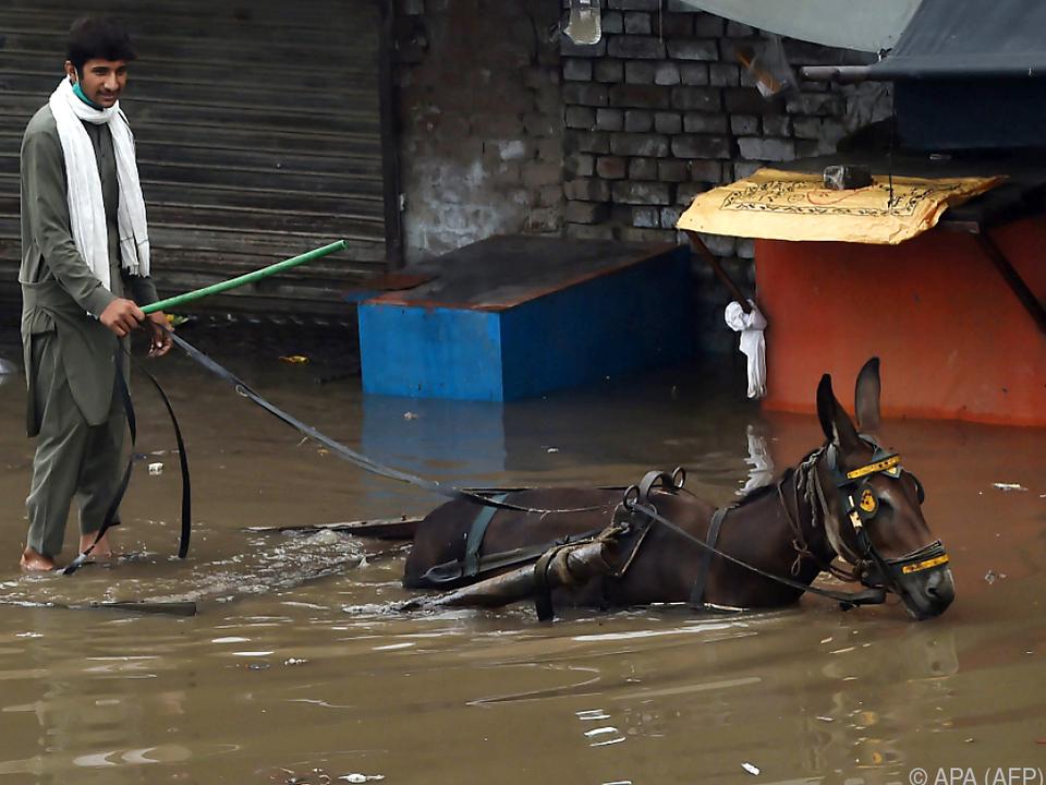 Tagelanger Starkregen in Pakistan