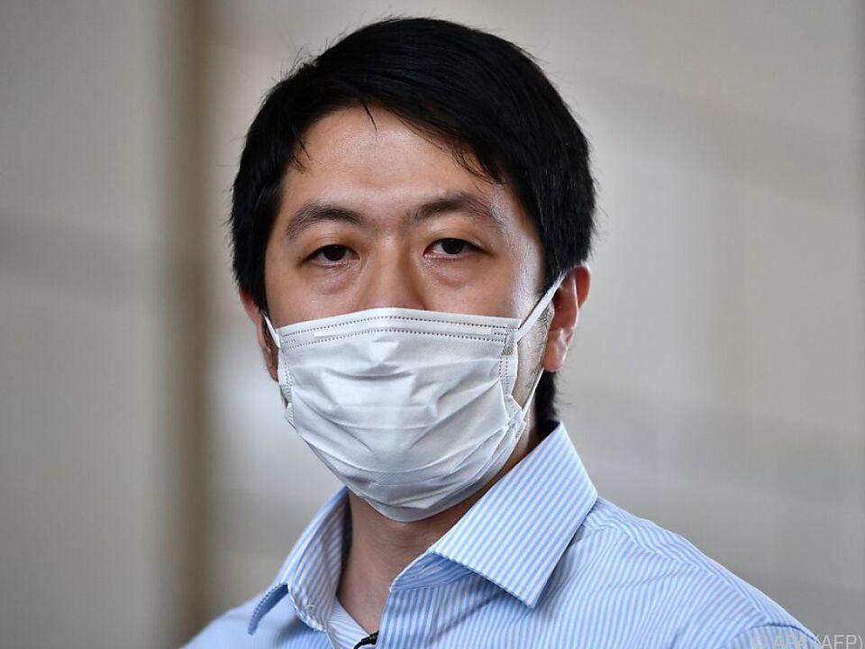 Ted Hui wurde zuhause abgeholt