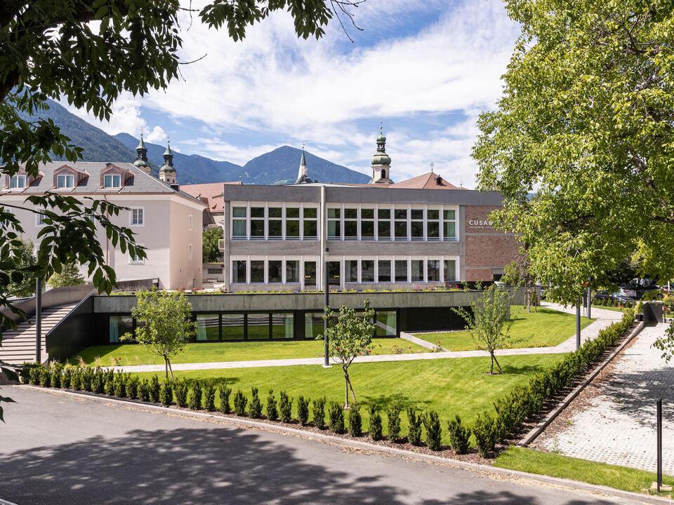 cusanus akademie