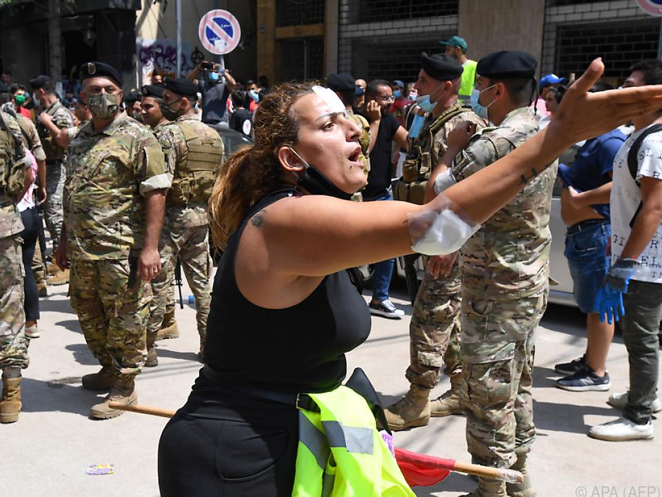 Premier will Neuwahlen, Gewalt bei Protesten im Libanon