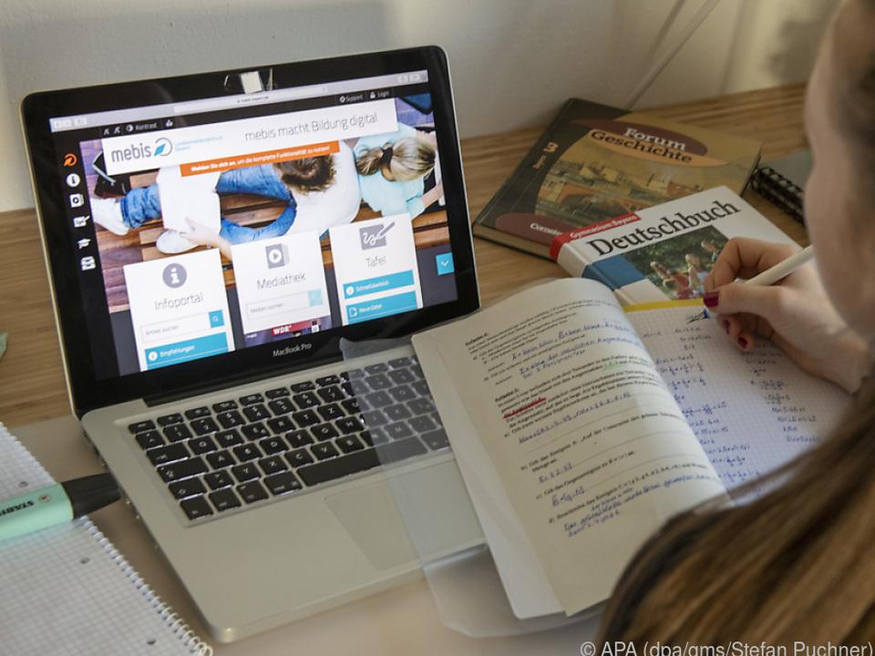 Umgedrehter Unterricht: Kinder erarbeiten zunächst Aufgaben zuhause