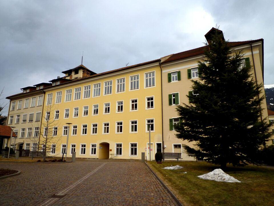 107890Der Bau der Tiefgarage der Gemeinde Brixen auf dem Areal des Schülerheims Maria Ward ist einen weiteren Schritt näher gerückt. (Foto: 9_P1000450
