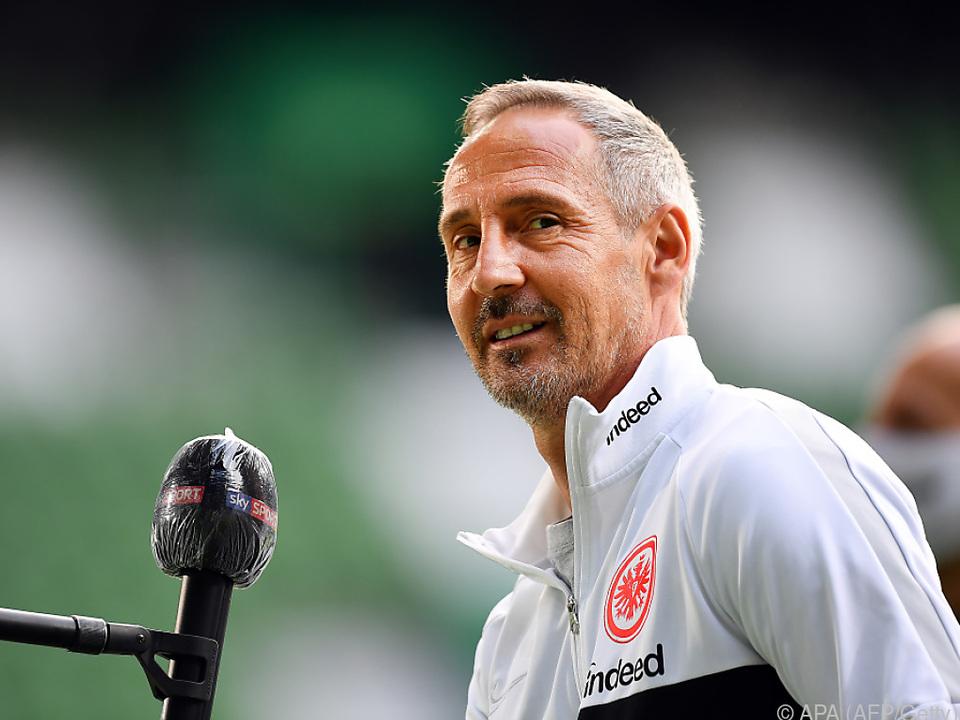 Adi Hütter bleibt in Frankfurt