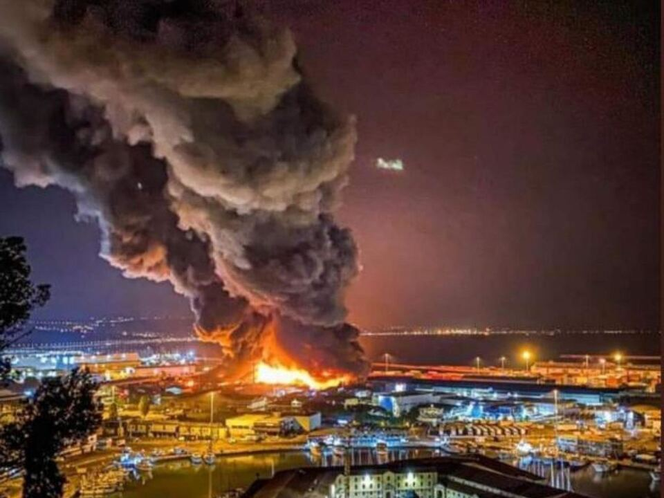 Brand Hafen Ancona 16.07.2020