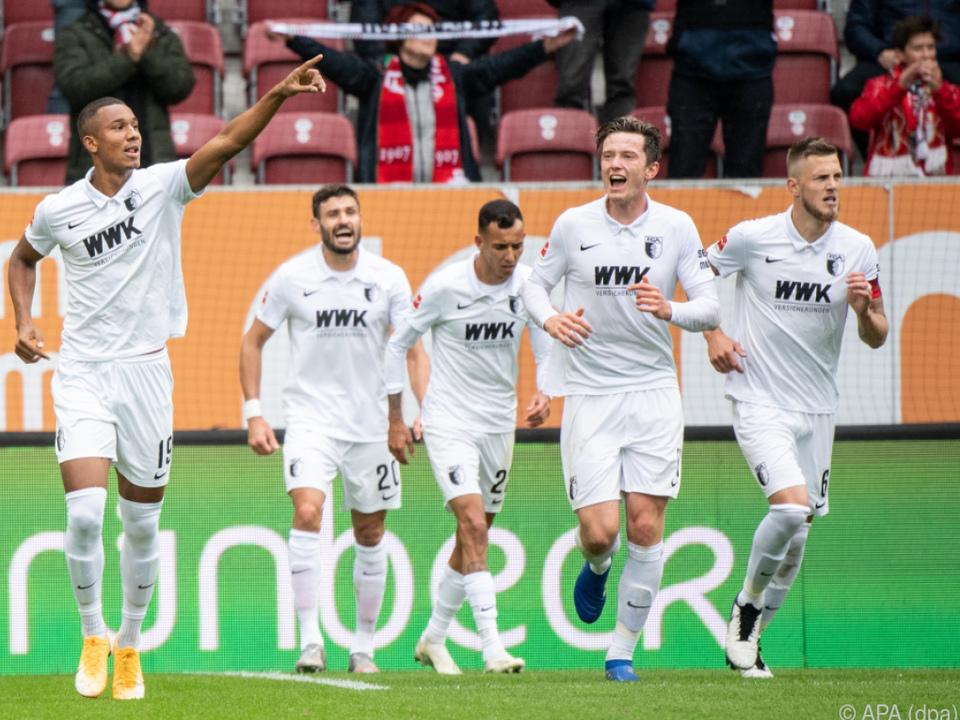 Augsburg übernahm Tabellenführung