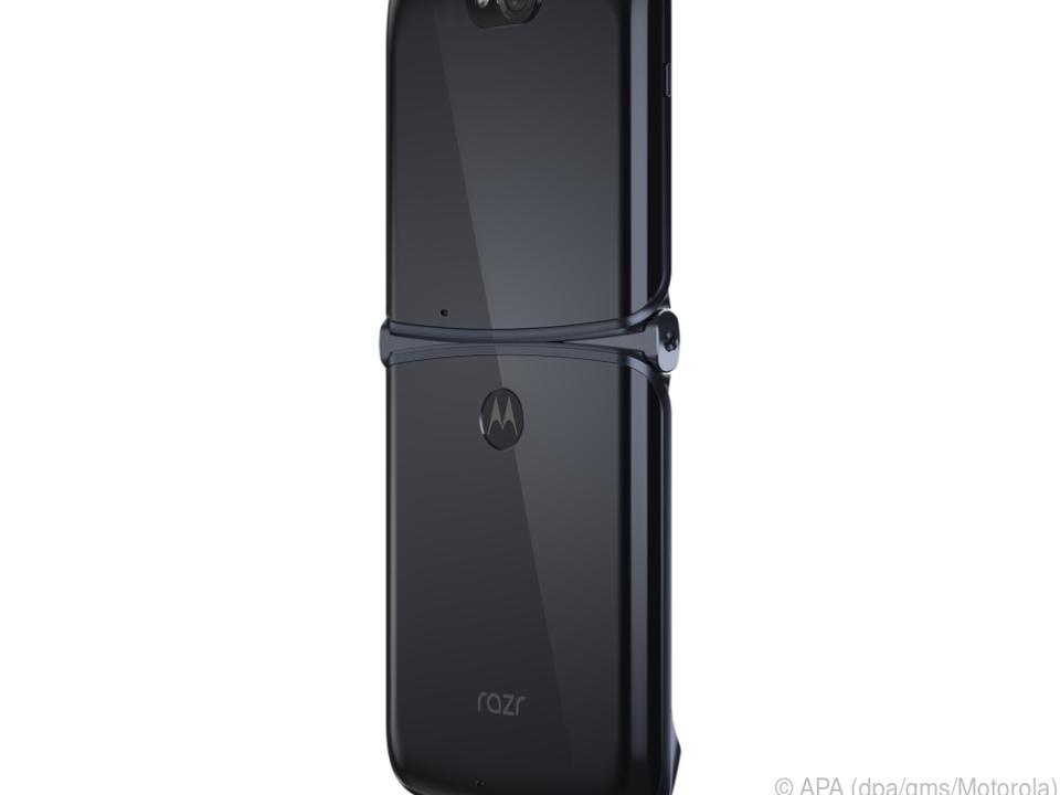 Schwarz ist die Farbe des 1.500 Euro teuren Klapp-Telefons