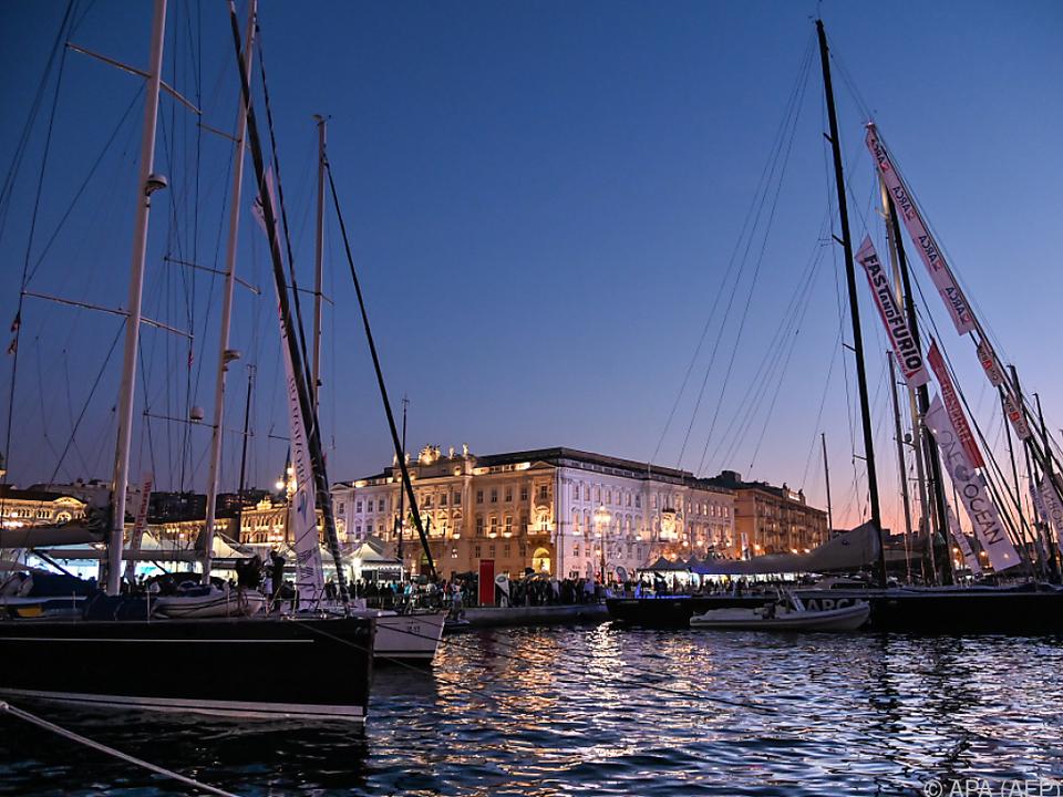 Der malerische Hafen von Triest ist Ausgangspunkt der Kreuzfahrt