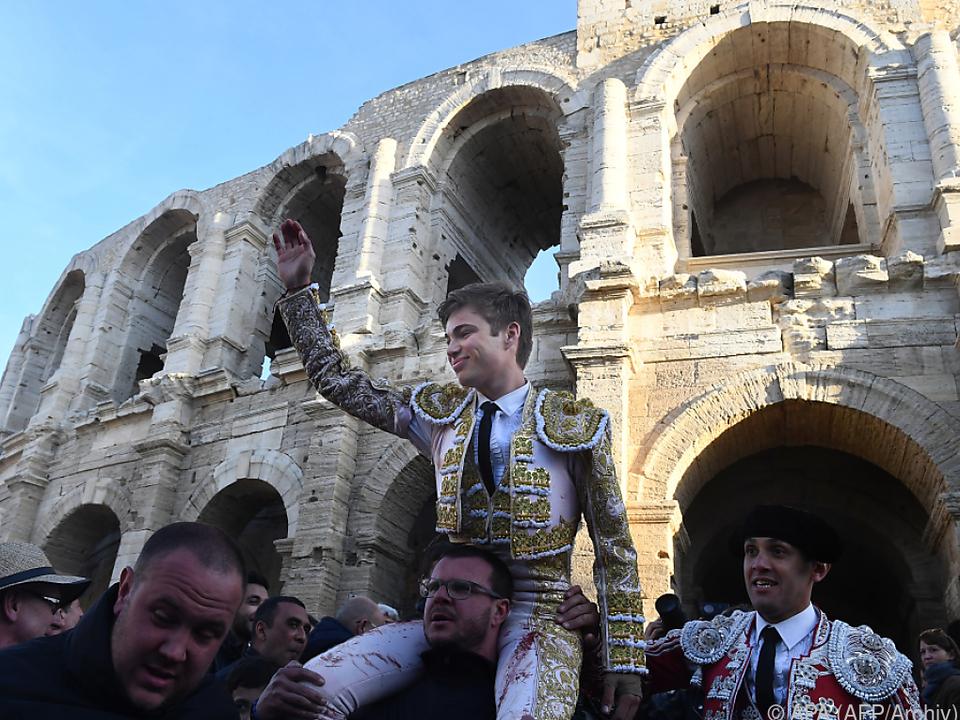 Die Stierhatz ist Teil der Folklore in Arles