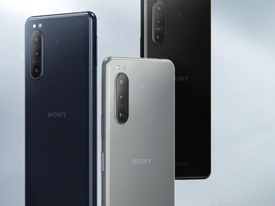 Blau, Grau und Schwarz: In diesen Farben verkauft Sony das Xperia 5 II (900 Euro)