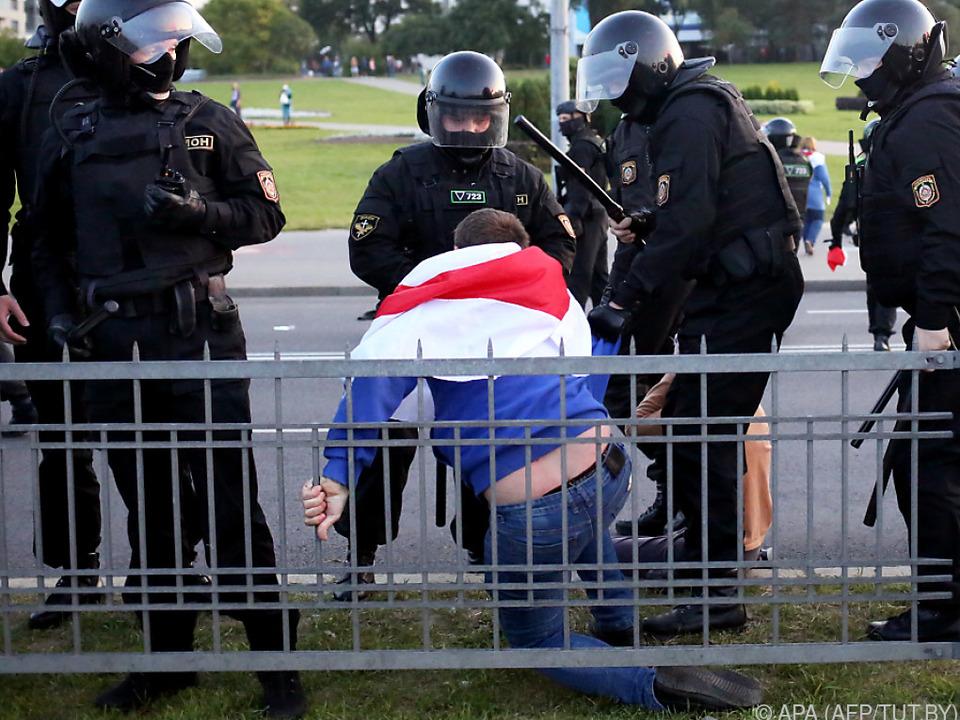 Einsatzkräfte gingen brutal gegen Protestierende vor