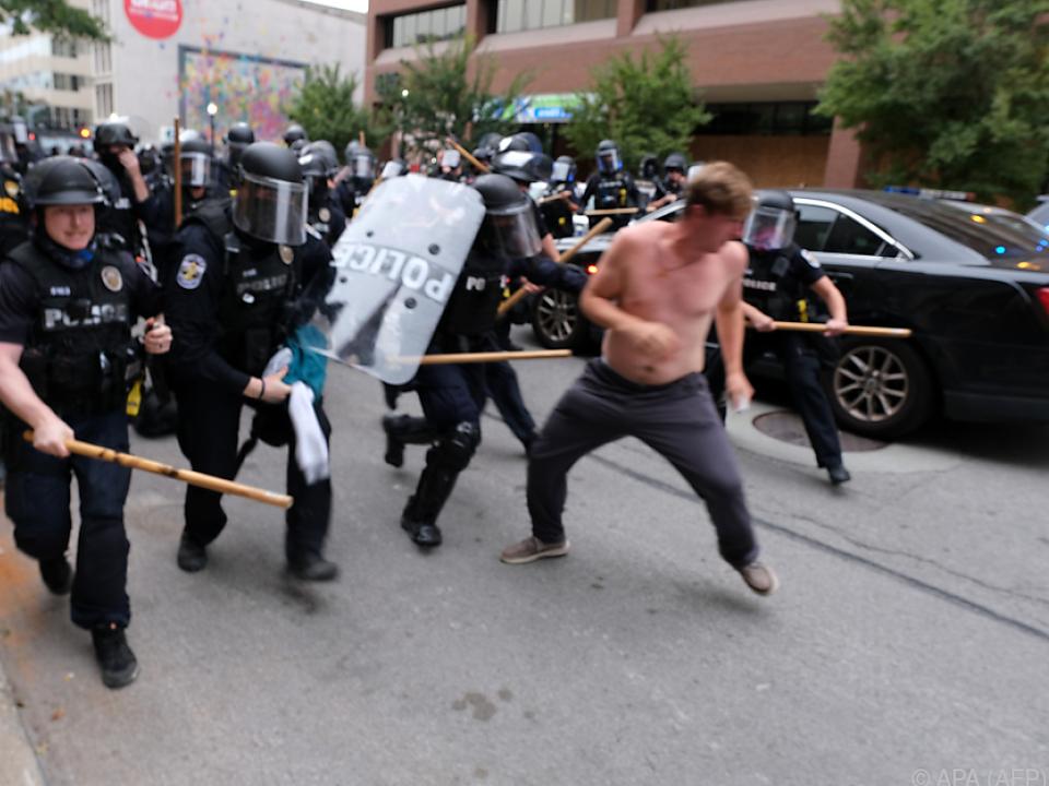 Gewaltsame Proteste in Louisville