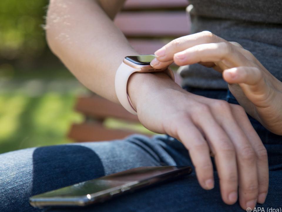 Auch Smartwatches stören Implantate nicht
