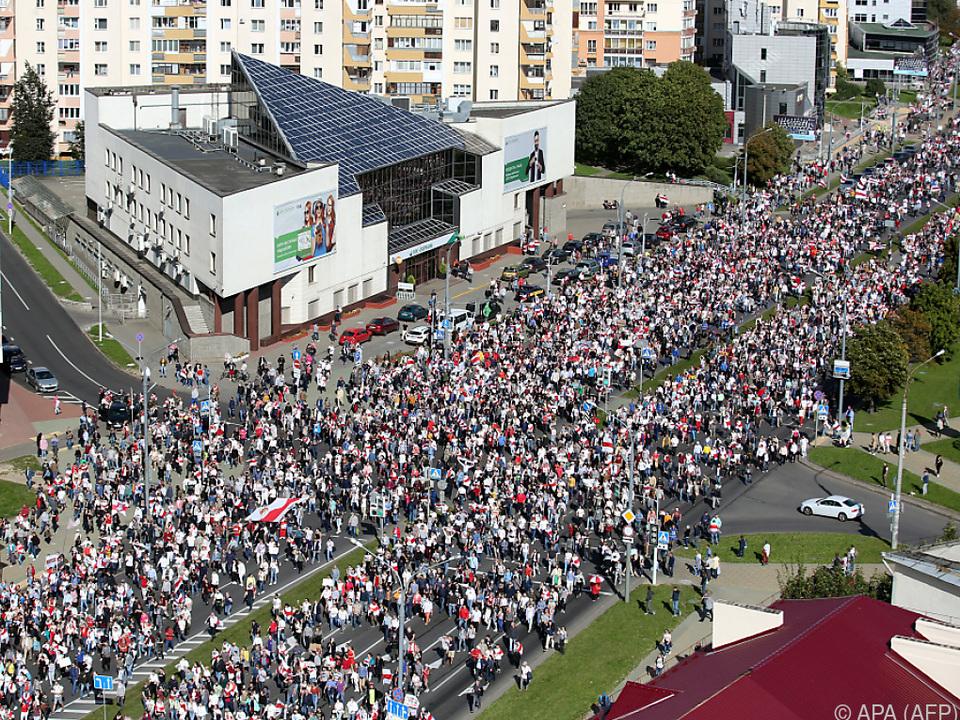 Massenprotest in den Straßen von Minsk