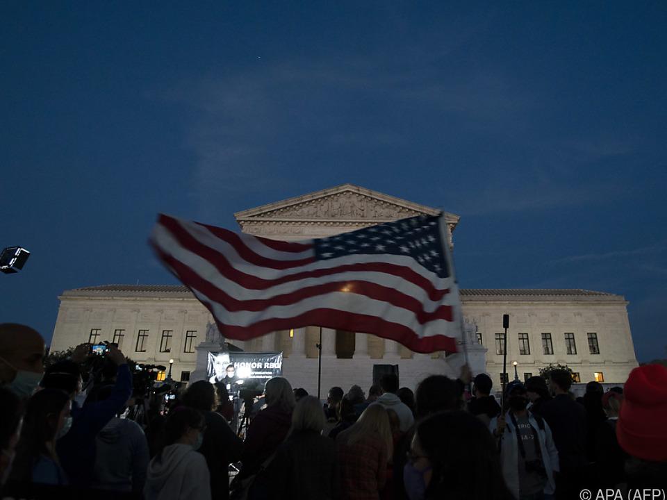 Nachfolge von Richterin Ginsburg: Senatorin stellt sich gegen Trumps Pläne