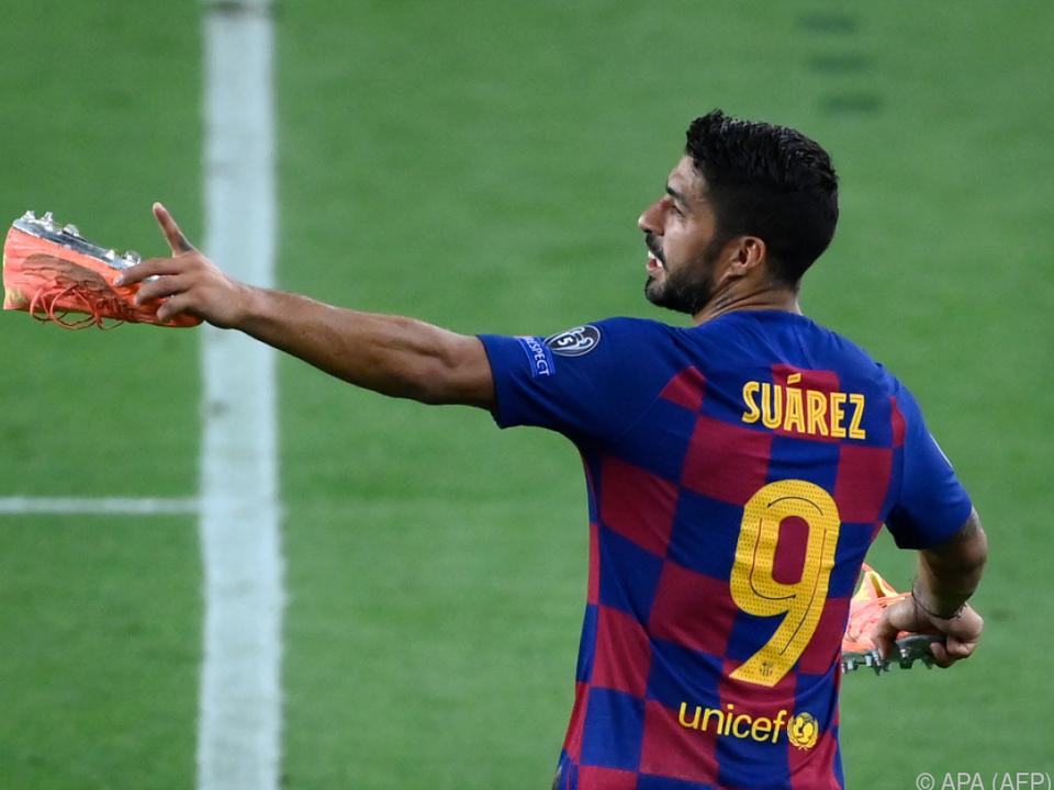 Messi-Freund Luis Suarez zieht die Barca-Schuhe aus