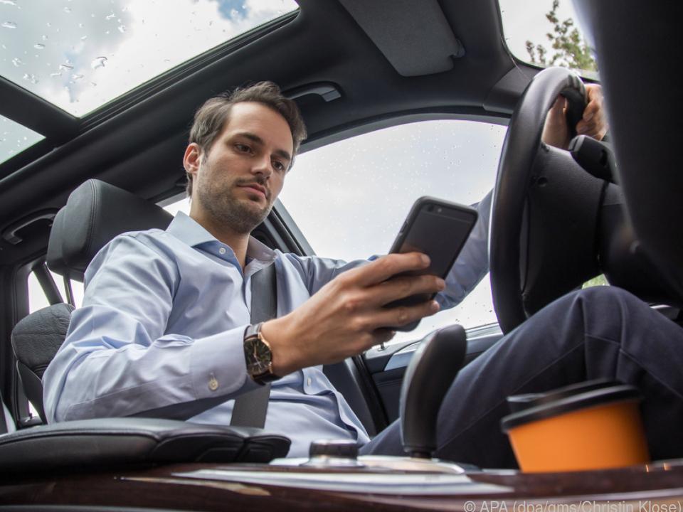 Mit WLAN im Auto können sich Smartphones, Tablets oder Laptops verbinden