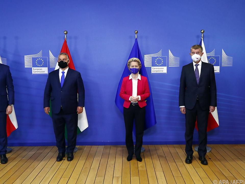 Morawiecki, Orban und Babis (r.) wollen keine Flüchtlinge aufnehmen