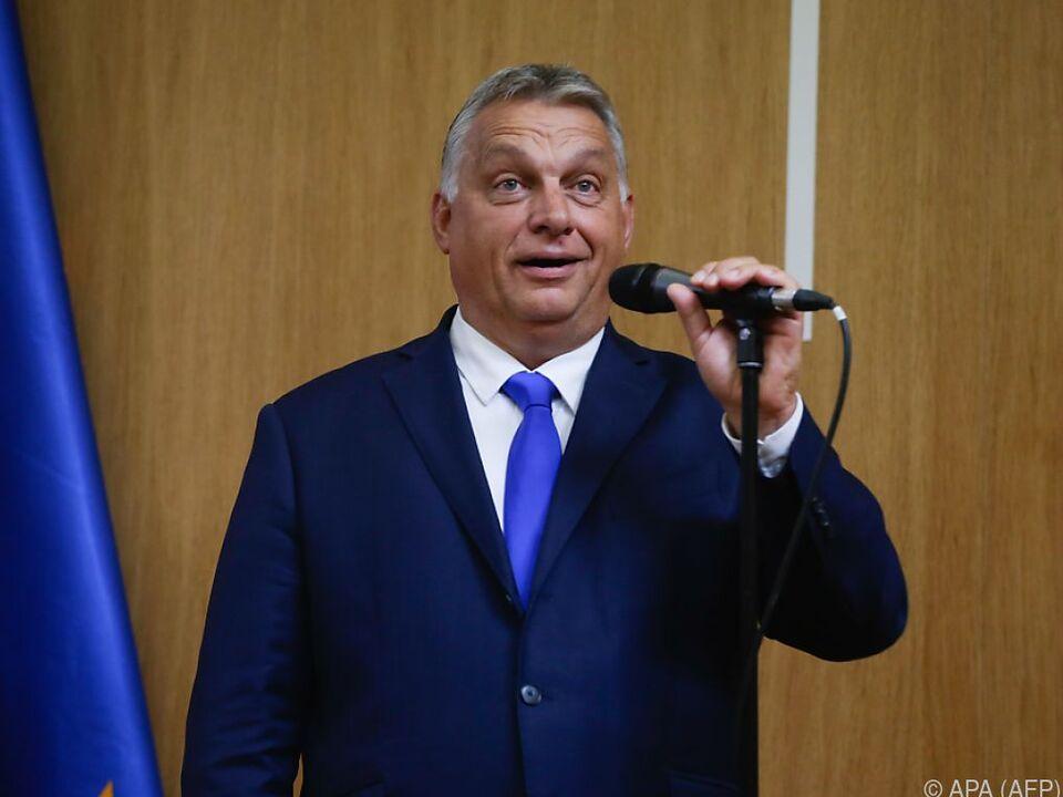 Rechte Haltung von Ungarns Regierungschefs kommt stark zum Ausdruck