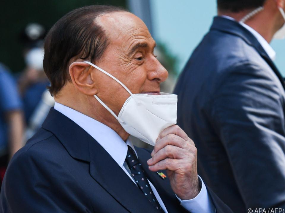 Silvio Berlusconi ist mittlerweile symptomfrei