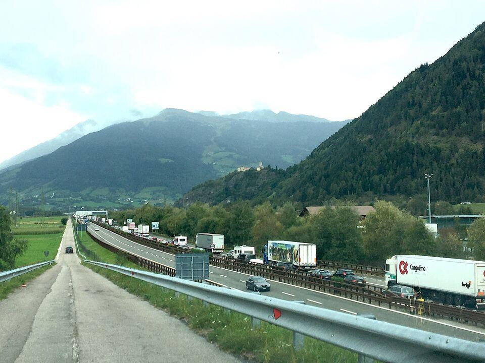 Stau Autobahn A22