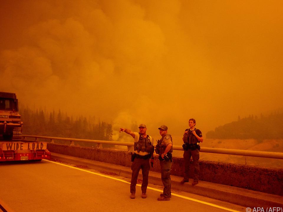 Waldbrände breiten sich in den USA aus