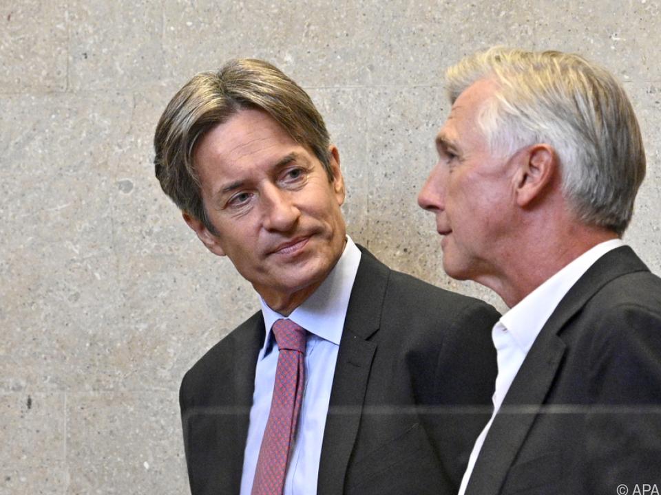 Zwei der Anwesenden des 156. Prozesstages