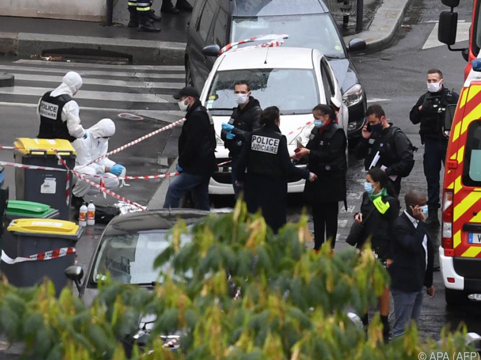 Zwei Journalisten mit Hackmesser schwer verletzt