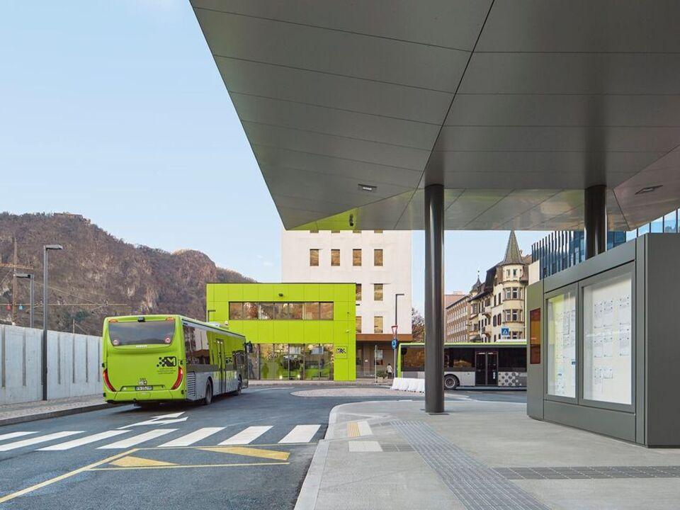 1085266_Busbahnhof_STA