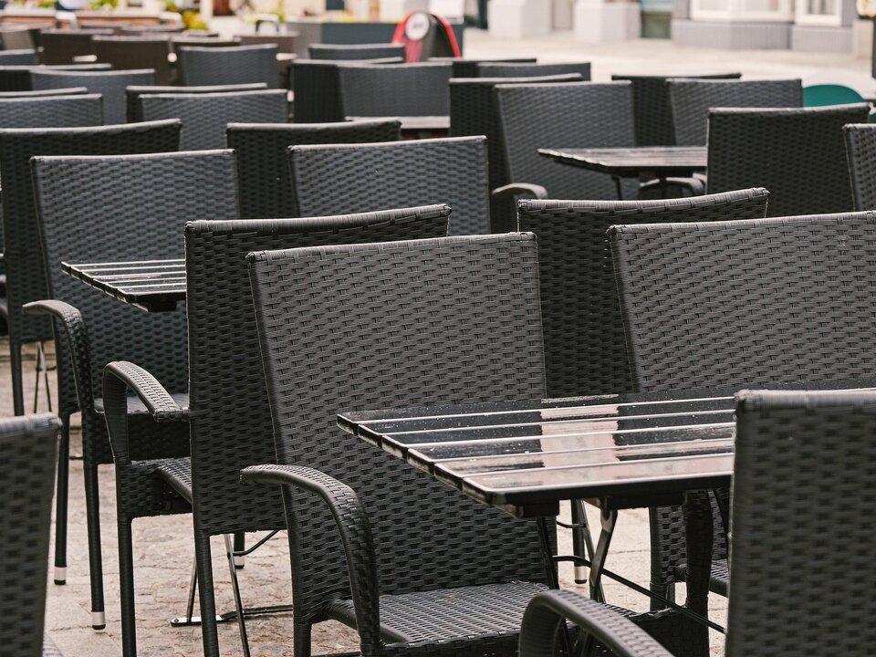 Tische Bar im Freien