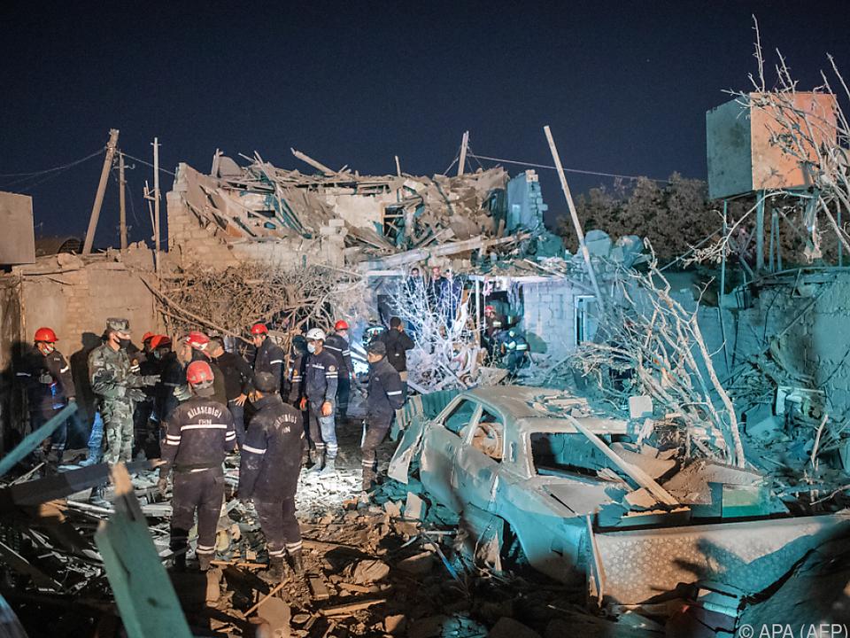 Bei Raketenbeschüssen starben 13 Menschen, 50 weitere wurden verletzt