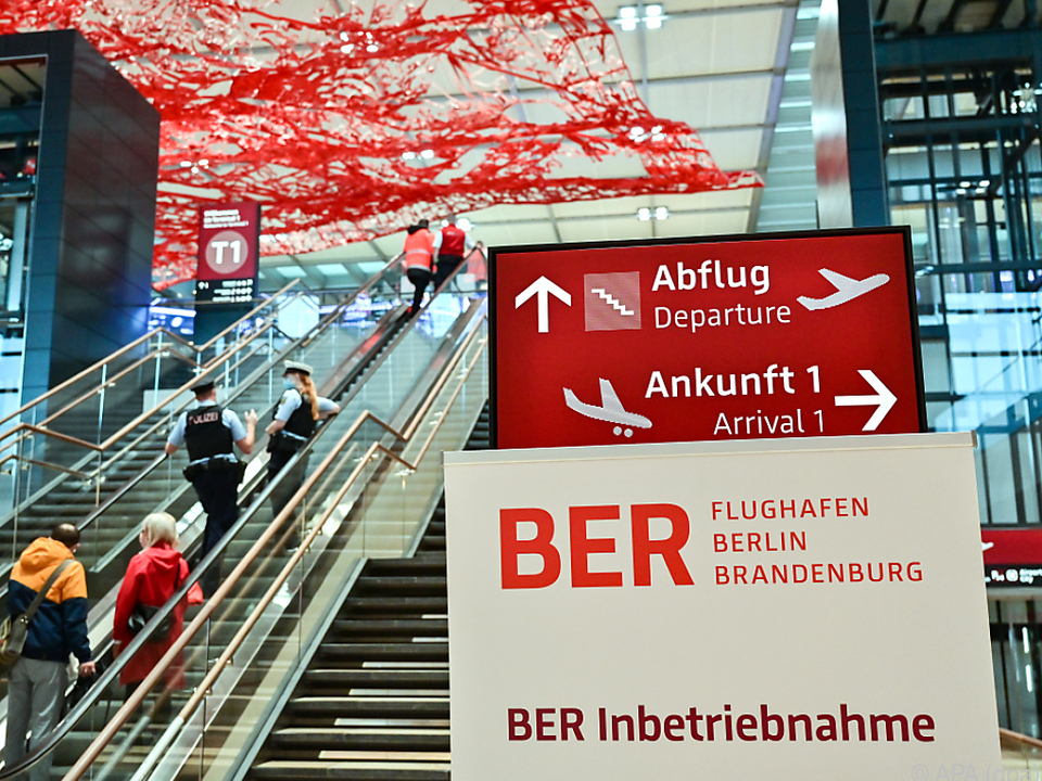 Berliner Hauptstadtflughafen geht in Betrieb