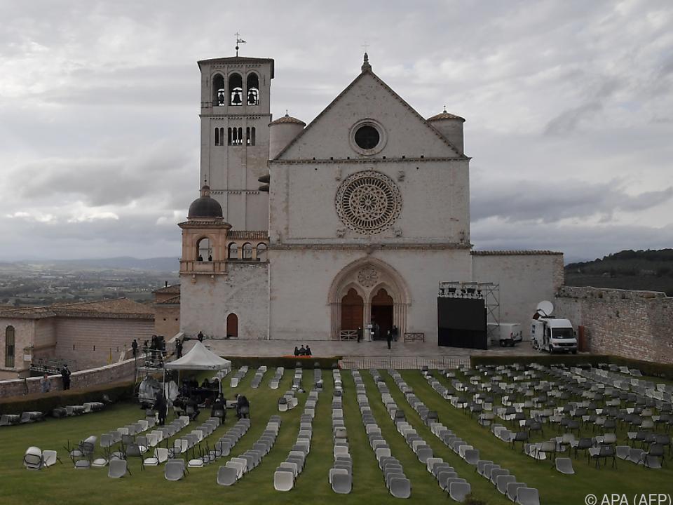 Blick auf die Basilika von Assisi