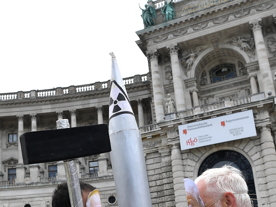 Aktion von ICAN Austria zu Abrüstungsverhandlungen