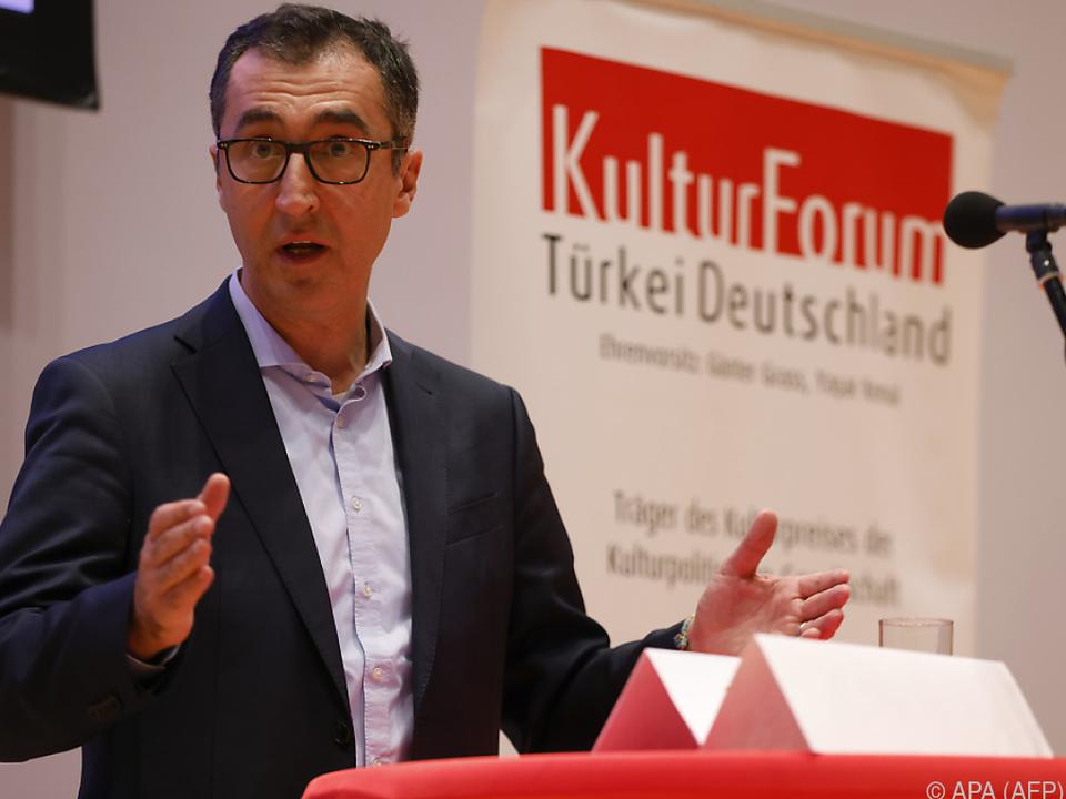 Cem Özdemir (Grüne) spricht von \