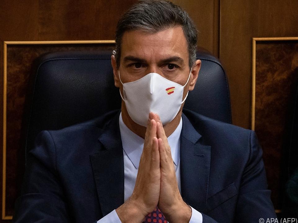Der linke Regierungschef Pedro Sánchez hat es überstanden