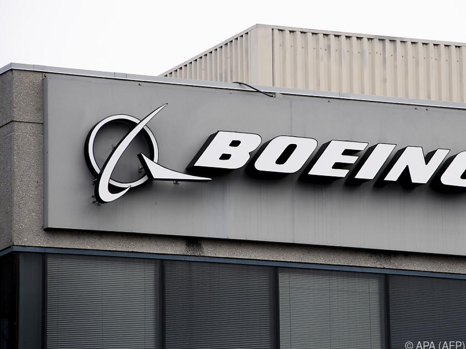 Boeing fliegt wegen Corona in rote Zahlen