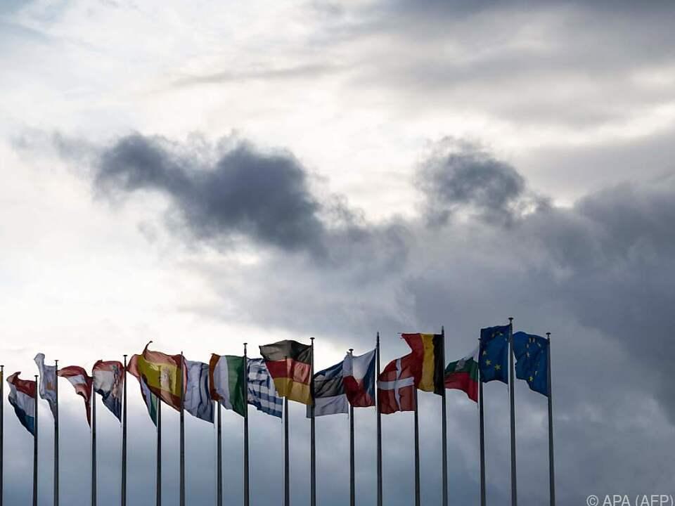 Die EU-Staats- und Regierungschefs besprechen die Corona-Pandemie