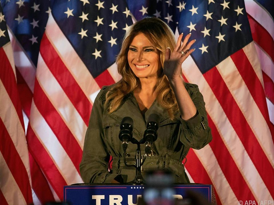 Die First Lady macht Werbung für ihren Mann