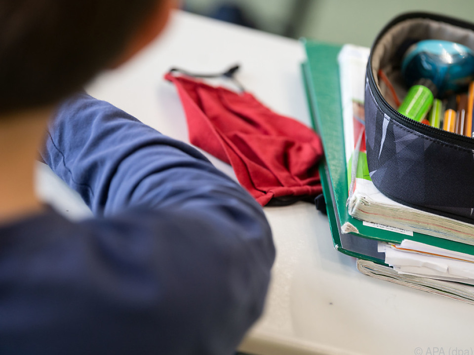 Die Maske gehört fix zum Schulbetrieb