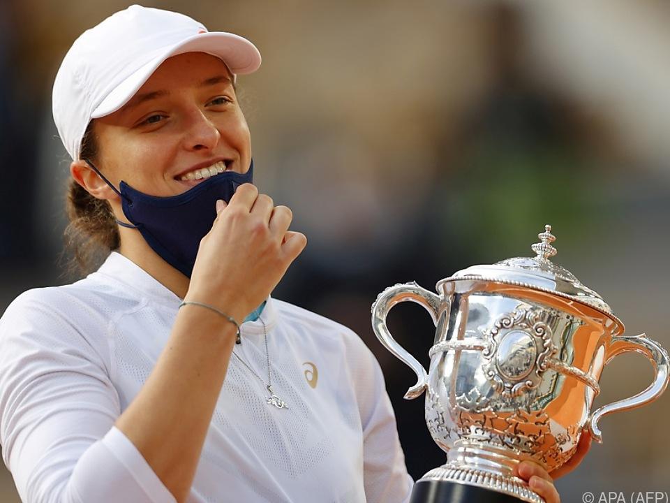 Die Polin feierte ihren ersten Turniersieg - und den gleich in Paris