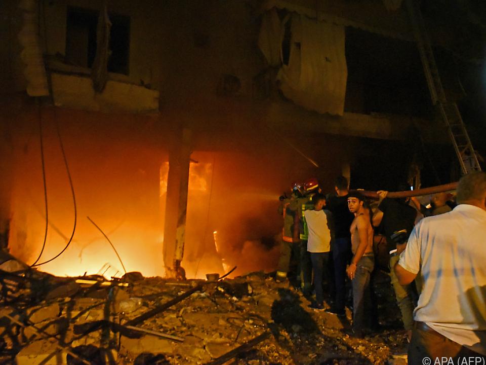 Durch die Explosion wurde offenbar ein Brand ausgelöst
