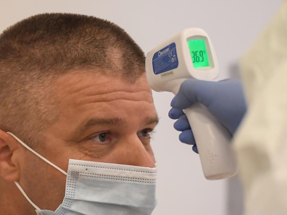 Experten sind wegen der relativ wenigen Tests besorgt