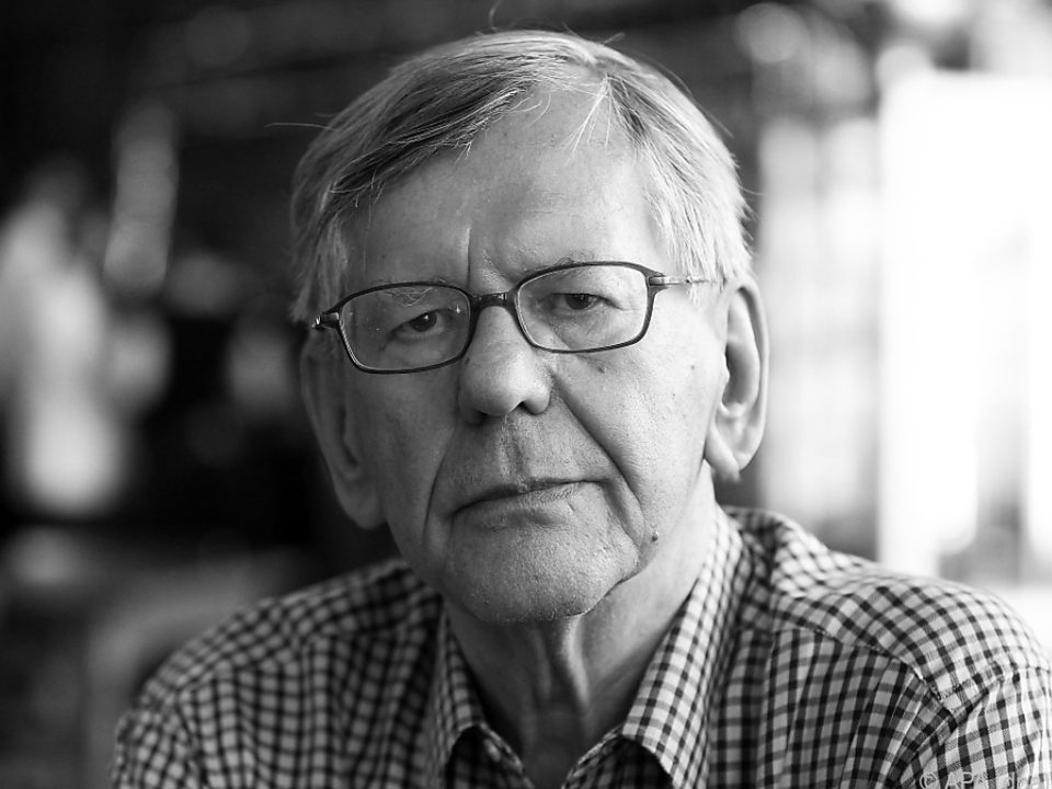 Feuerstein verstarb im Alter von 83 Jahren